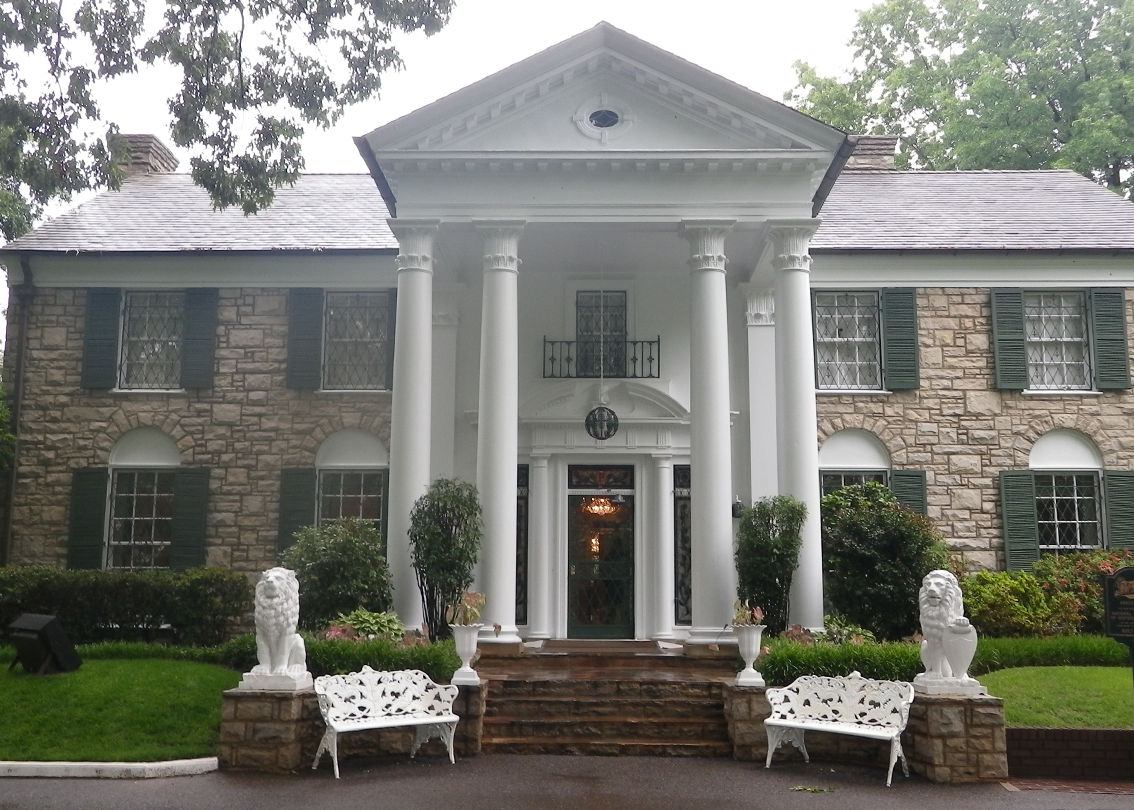 GRACELAND, vista frontal